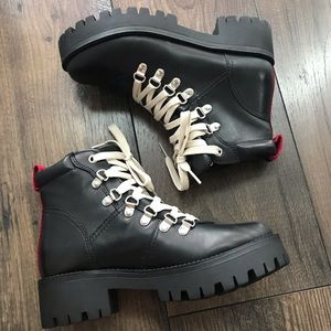 STEVE MADDEN BLACK BOOT
